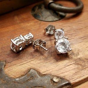 🆕💎Sterling Silver Earrings NWOT💎